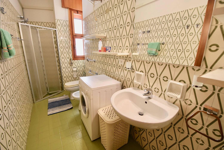 bagno-appartamento-1203608939