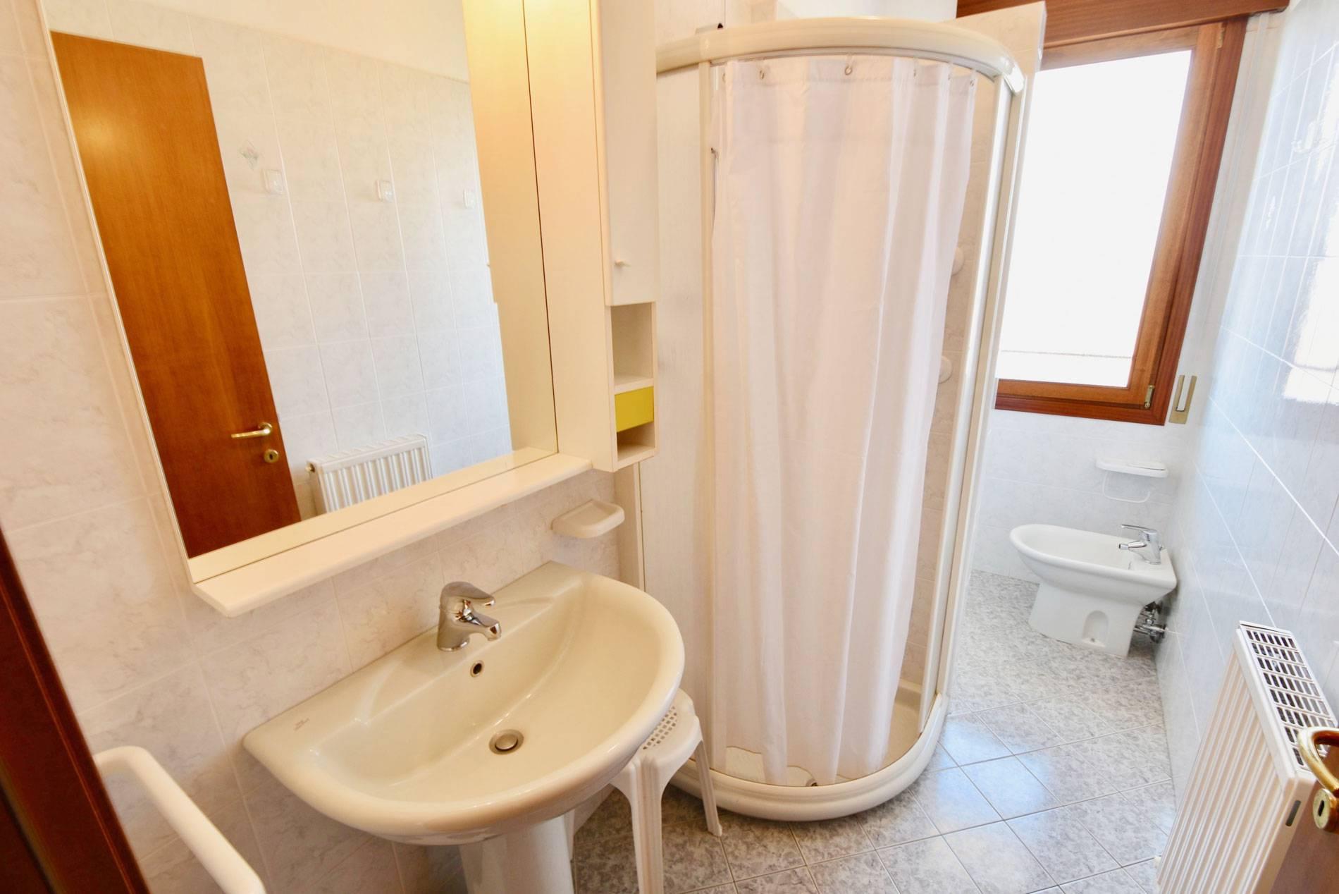 bagno-appartamento-residenc-673106237
