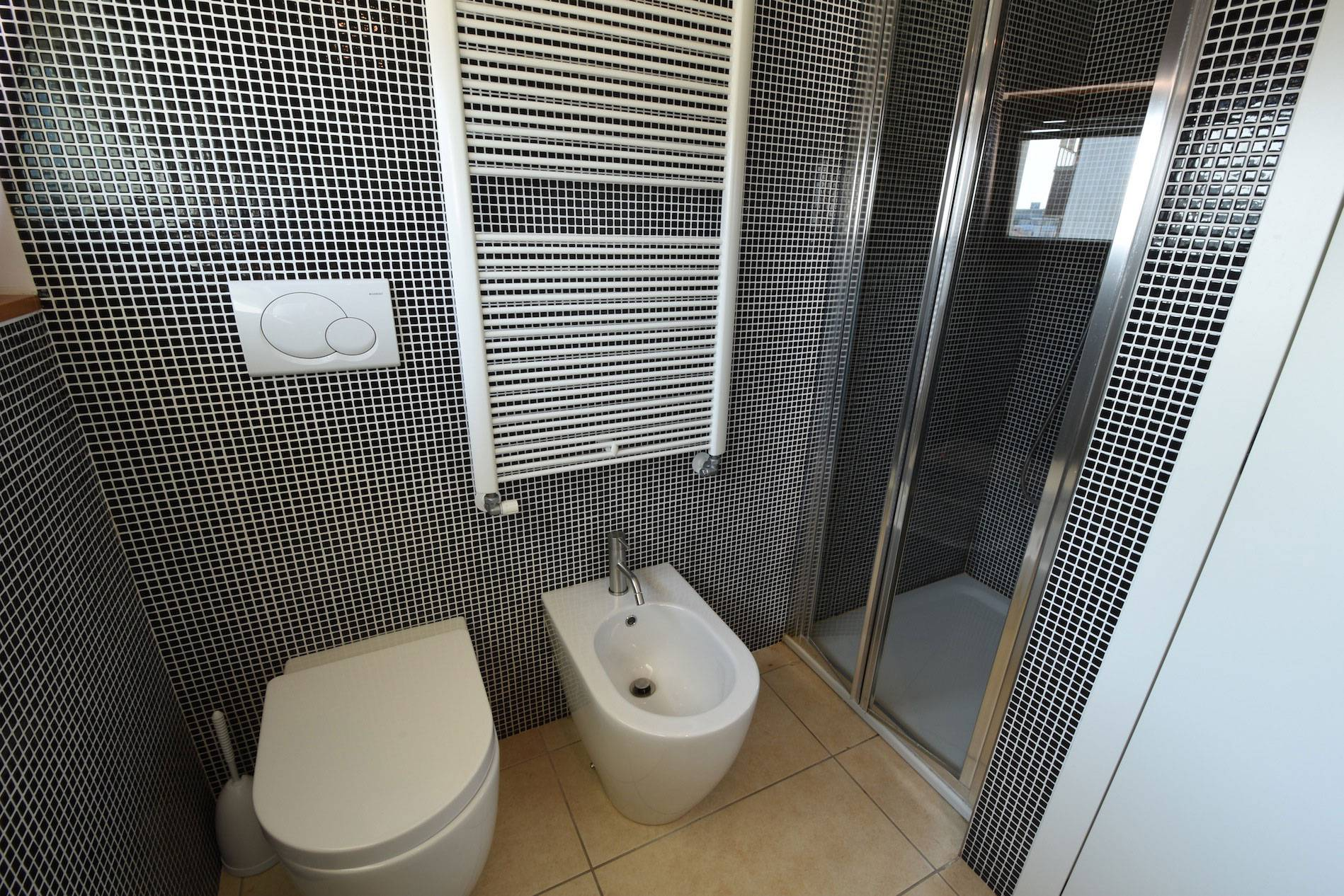 box-doccia-bagno-appartamento-residence-belvedere-jesolo-1383012526