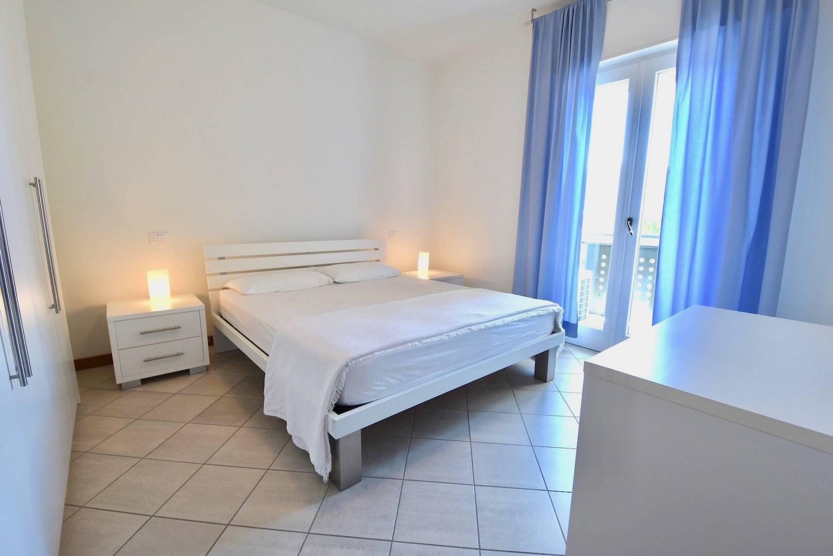 camera-da-letto-appartamento-jesolo-944492963.jpeg