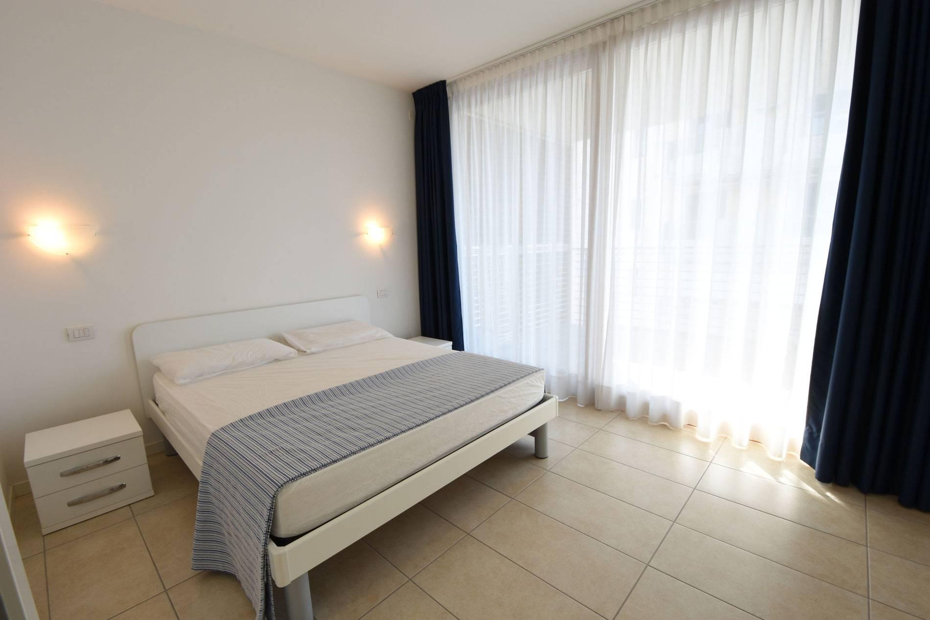 camera-da-letto-residence-jesolo-casa-vacanza-1428774831