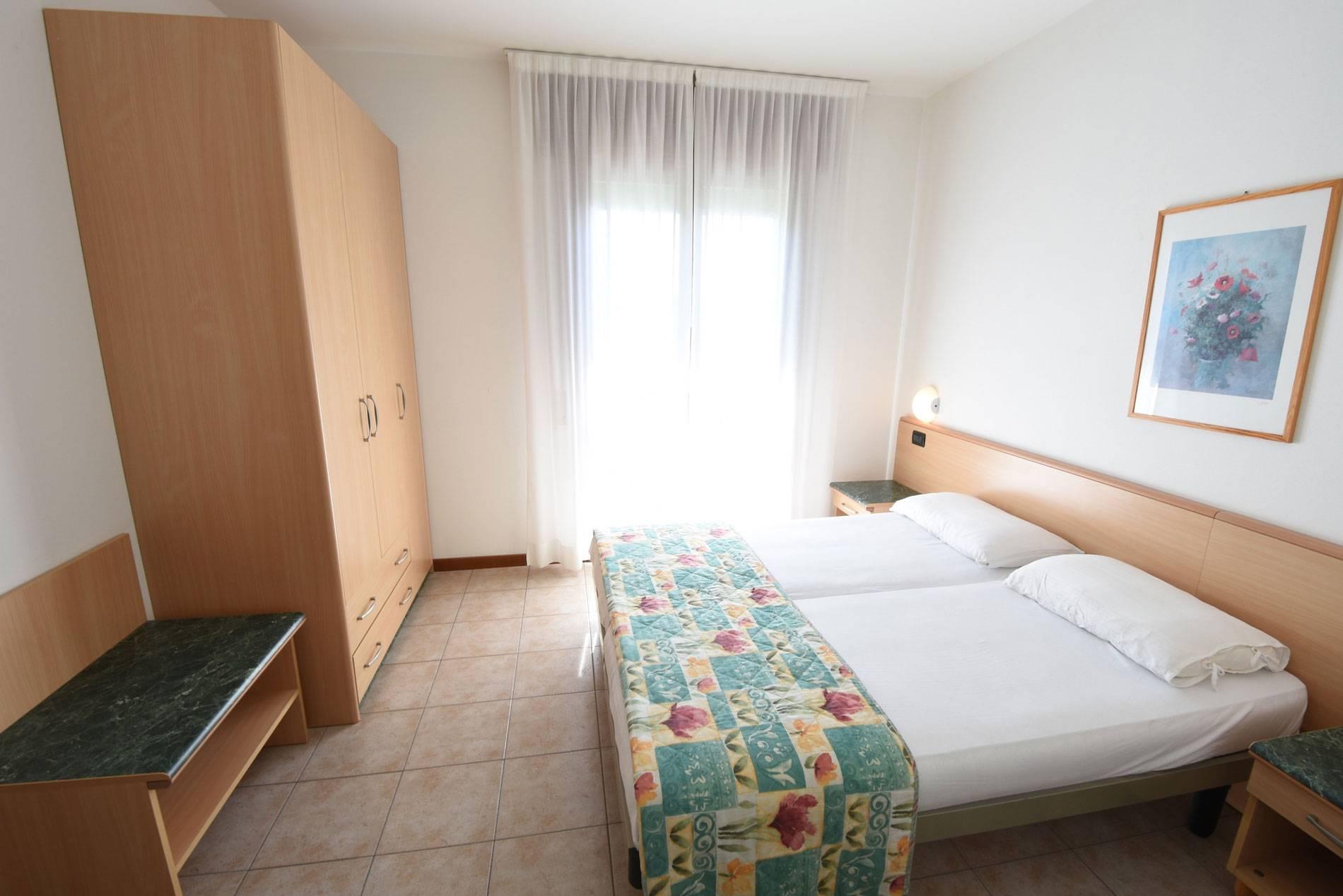 camera-letto-appartamento-jesolo-875757870