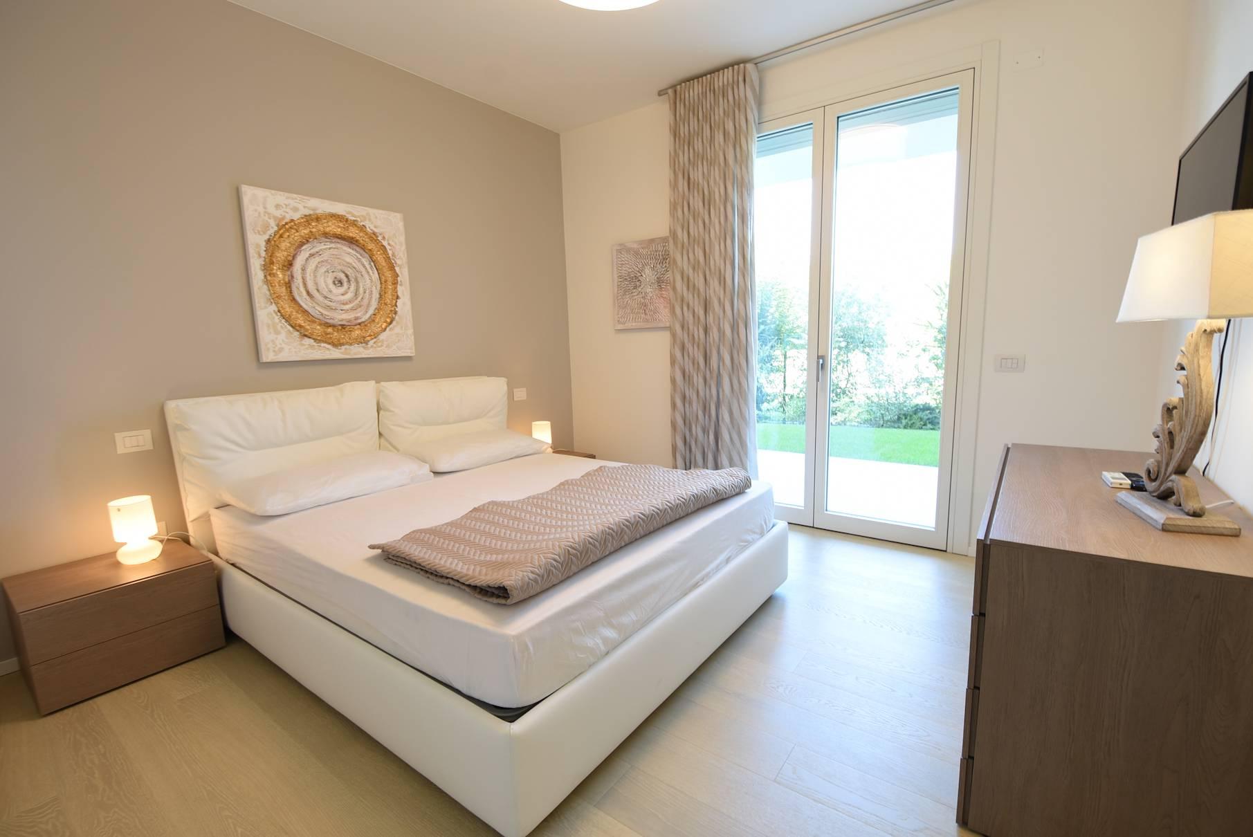 camera-letto-appartamento-stagionale-affitto-jesolo-2096823068