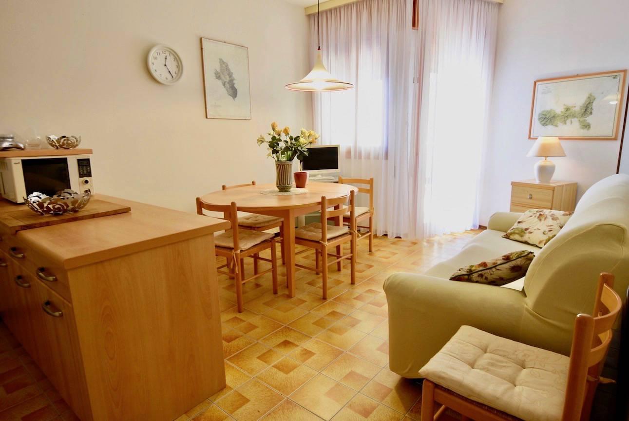 soggiorno-appartamento-vacanza-jesolo-1376804875.jpeg