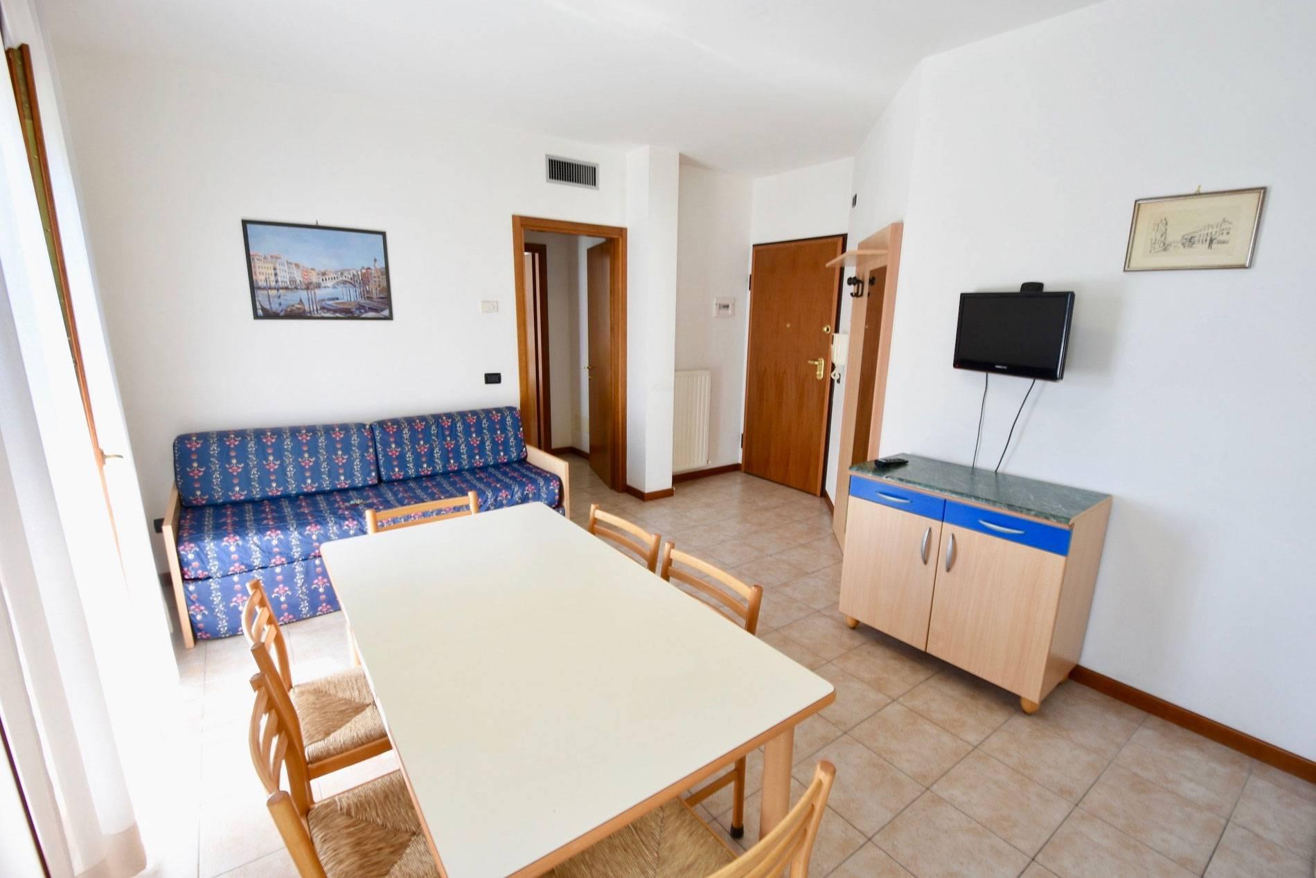soggiorno-cucina-appartamento-vacanza-jesolo-lido-2145705505